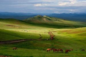 https://dineshvora.files.wordpress.com/2012/04/least-populated-places-seven-billion-mongolia_42768_600x450.jpg?w=300